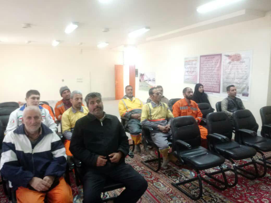 کلاس آموزشی پیشگیری و مراقبتهای بیماری آنفولانزا برای کارکنان واحد خدمات شهری