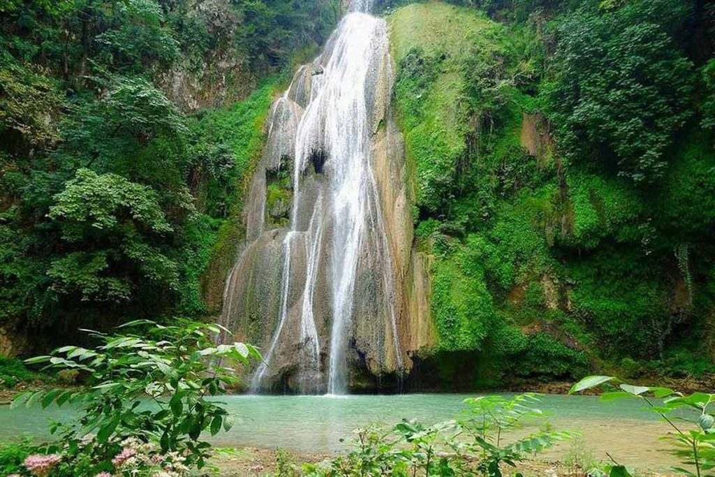 آبشار لووه -فصل بهار
